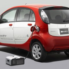 Los coches eléctricos, suministradores  de energía