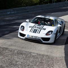 El Porsche 918 Spyder rueda en el Nurburgring