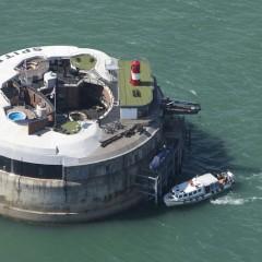 Una nueva propuesta original: dormir en un búnker en medio del mar