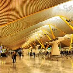 El aeropuerto ideal debería tener cine, habitaciones y biblioteca