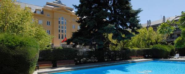 Hoteles con encanto en los pantanos y embalses madrile os for Hoteles nh madrid con piscina