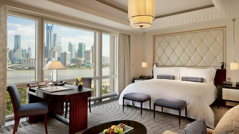 Peninsula-shanghai-accommodations-Deluxe-River-Room