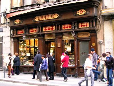 Vista de la fachada del restaurante Lhardy, en la Carrera de San Jerónimo de Madrid. Efe/ J.Benet