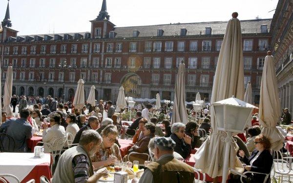Terrazas de la Plaza Mayor. Foto: EFE/Juan M. Espinosa