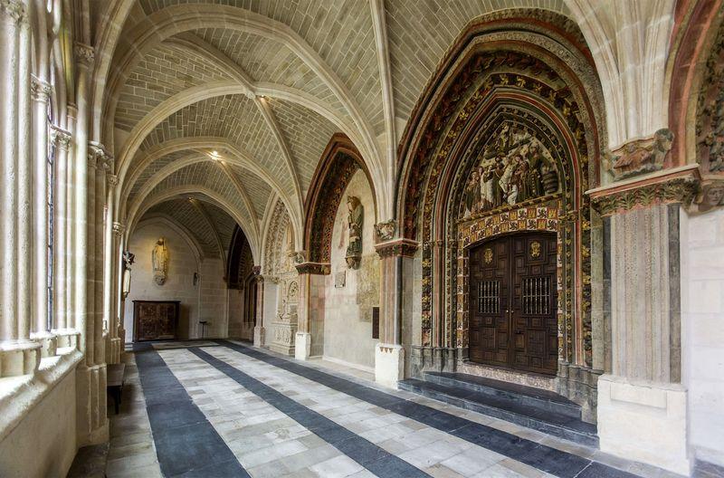 El claustro alto de la Catedral de Burgos. Foto: EFE/Santi Otero