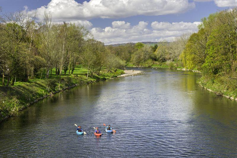 El río Taff desemboca en la bahía de Cardiff