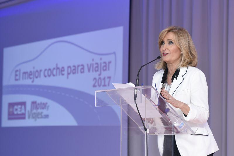 Nieves Herrero, puso la profesionalidad, la elegancia y la simpatía en la entrega de los premios.