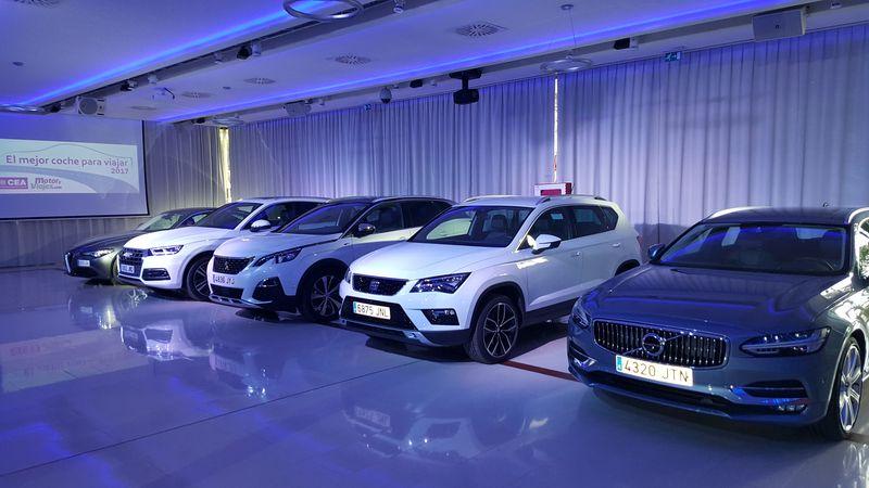 El Volvo V90, primero por la derecha, junto a sus cuatro rivales.