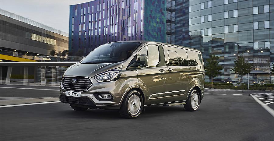 Nuevo Ford Tourneo Custom: el Mejor Lugar Para los Negocios y el Tiempo Libre