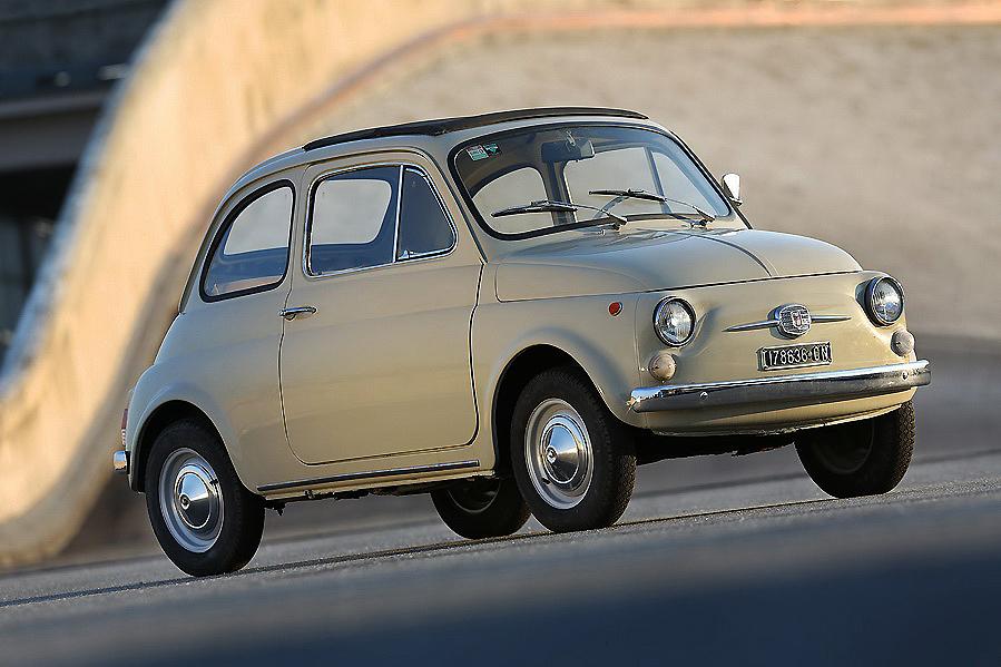 Bulgari se va de viaje con el Fiat 500F, el mítico coche de la marca italiana