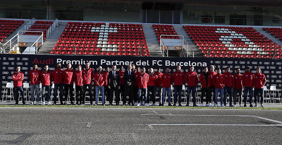 Audi entrega a los jugadores del FC Barcelona sus nuevos coches