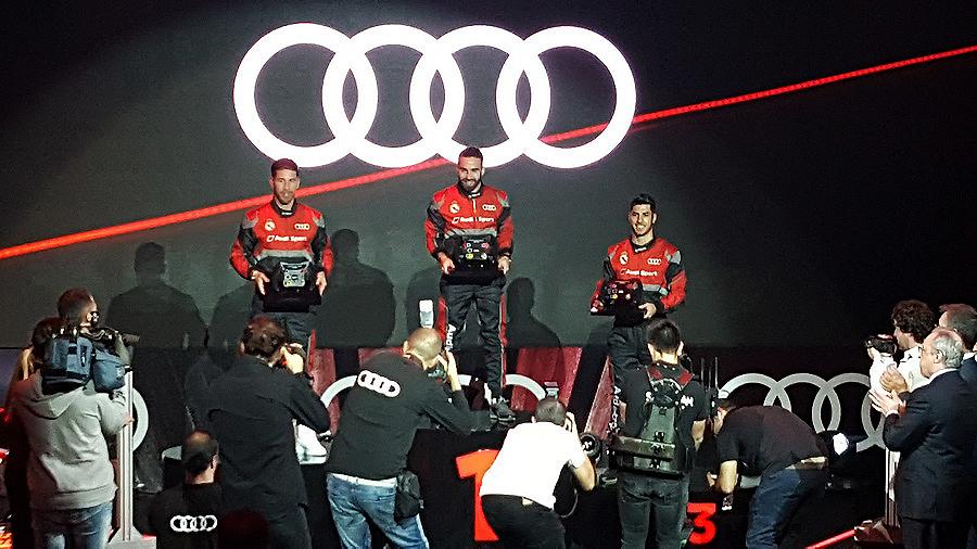 Los jugadores del Real Madrid de fútbol reciben sus modelos Audi