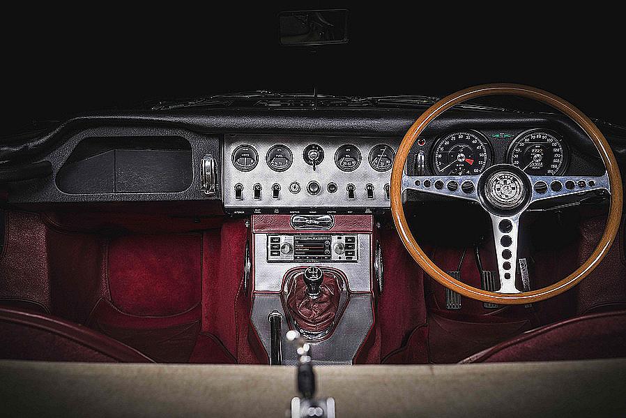 Jaguar Land Rover Classic lleva el infoentretenimiento a los clásicos