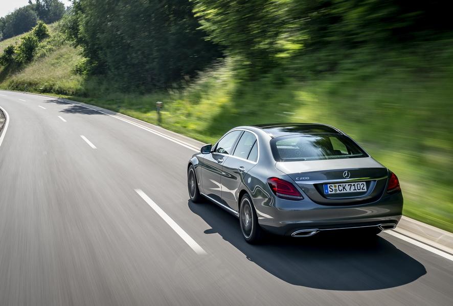 Mercedes y sus 19 modelos con etiqueta ECO de la DGT