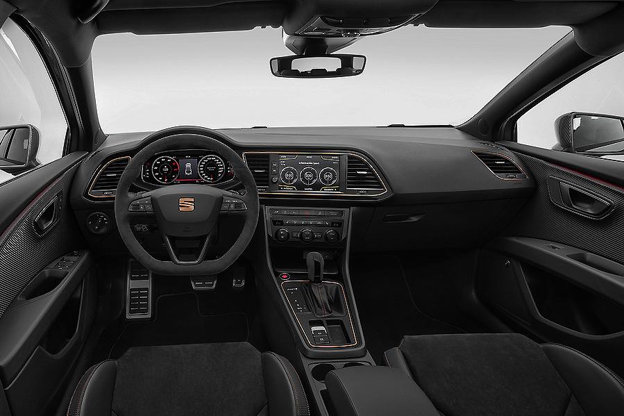 Nuevo Seat León ST CUPRA R, 300 caballos de pura sangre por 54.606 euros