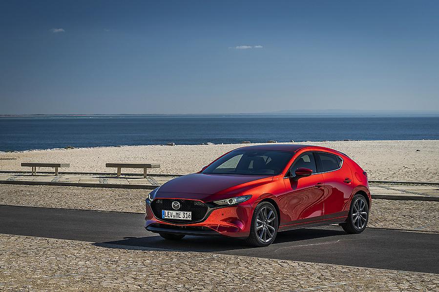 Mazda 3 Zenith SKYACTIV-G 2.0 122 cv, elegancia y deportividad