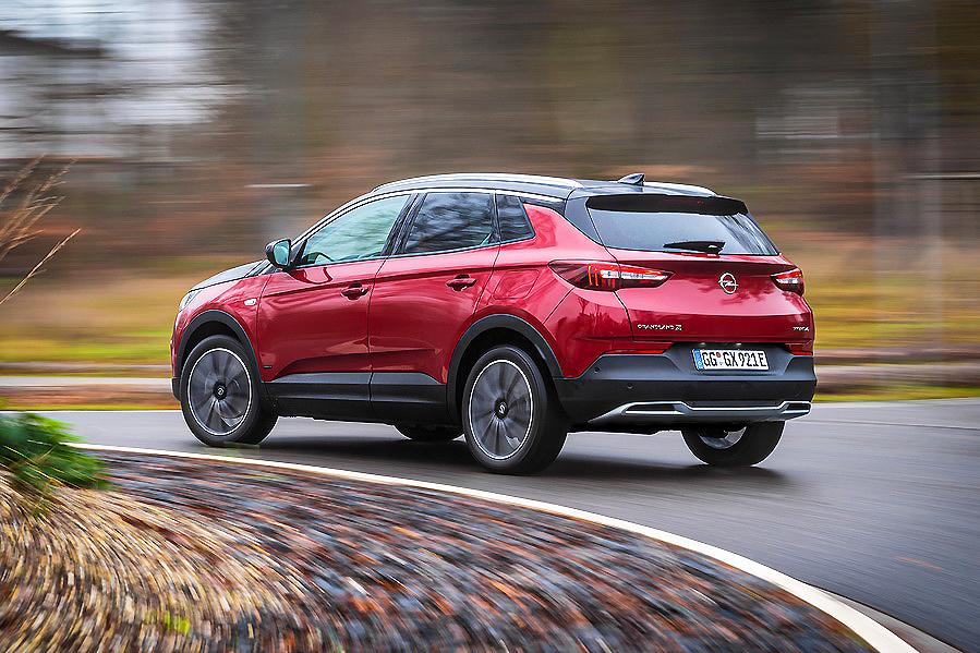 Opel da a conocer los precos del Corsa-e y del Grandland X Hybrid
