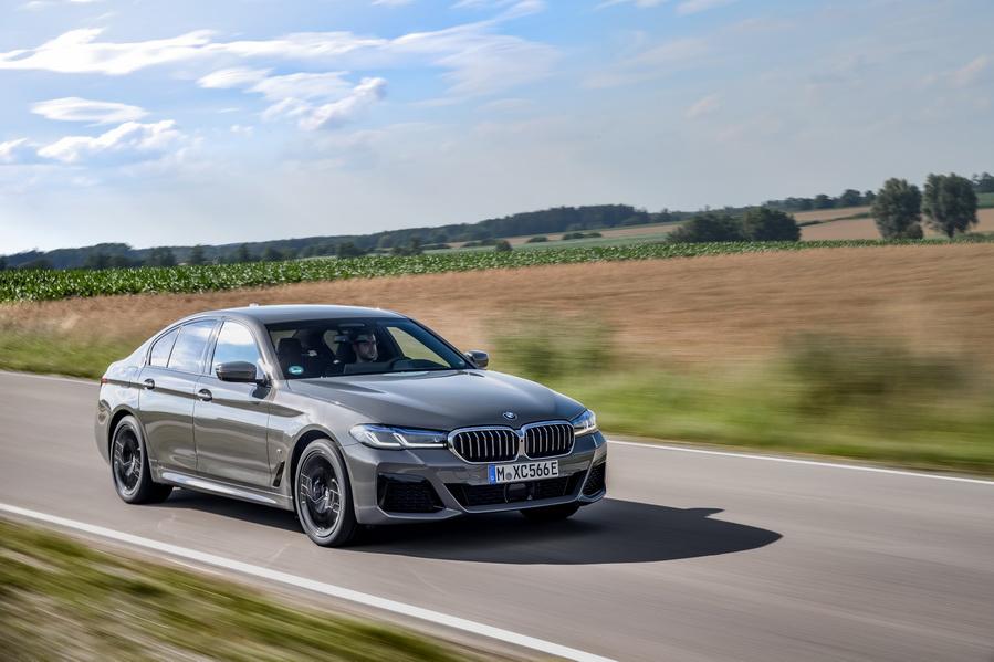 Llega el BMW 545e xDrive, el híbrido enchufable más dinámico