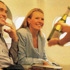 La compañía aérea Emirates invertirá casi 400 millones de euros en su carta de vinos