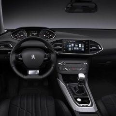 Peugeot i-Cockpit, un puesto de conducción innovador