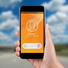 ¡Aparca el móvil conduciendo!, un mensaje de Sixt
