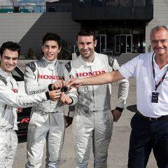 Marc Márquez, Dani Pedrosa y Toni Bou, prueban el nuevo Honda Civic Type R en el Jarama