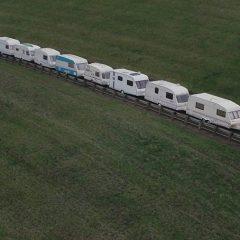 """El Ford Ranger remolca un """"tren"""" de 15 caravanas"""
